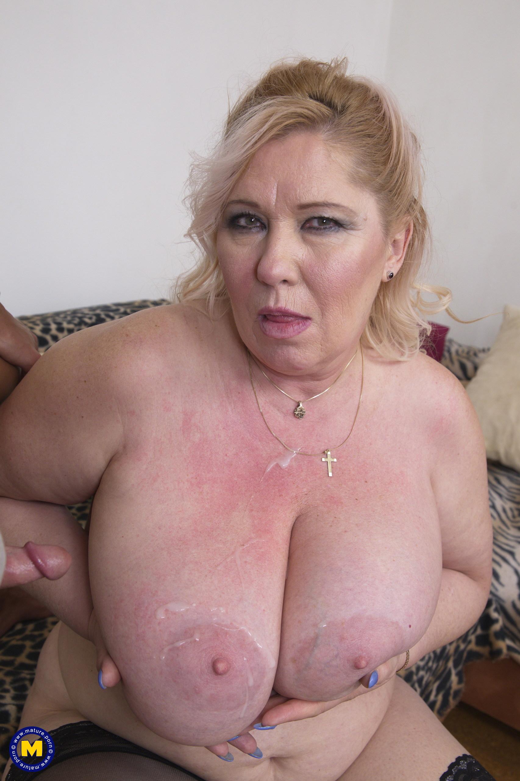 Chubby nackt sexy chubby Curves